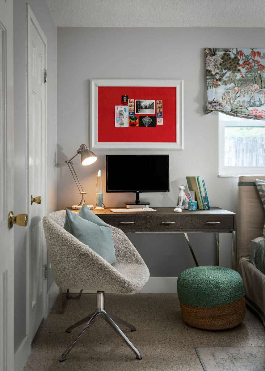 eclectic tween bedroom decor desk area